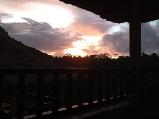 Villa Indah Ubud: Sunset from verandah