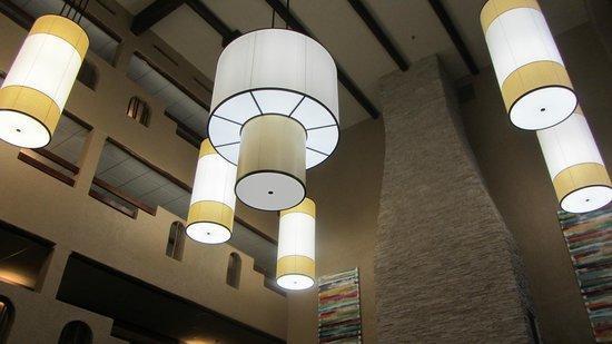 DoubleTree by Hilton Santa Fe: Atrium