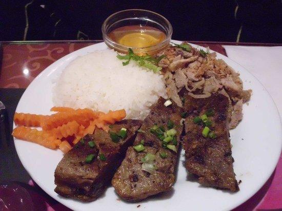 Lao Chaleune : Riz aux travers de porc grillés