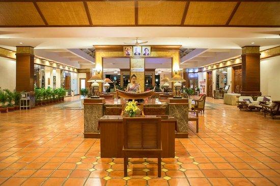 Himawari Hotel Apartments: Eco Lobby