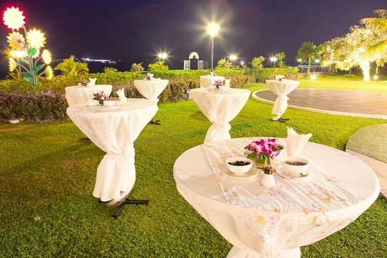 Himawari Hotel Apartments: Garden Terrace for our recommended outdoor events