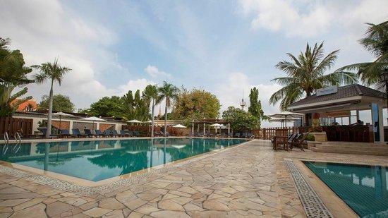 Himawari Hotel Apartments: Pool View