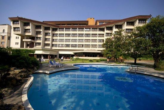 Pool View Hotel Yak Yeti