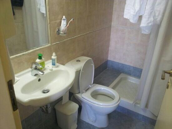 Morpheas Apartments: il bagno