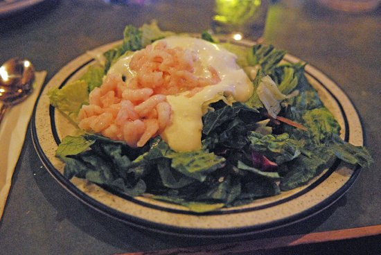 Dooger's Seafood & Grill: Generous shrimp salad