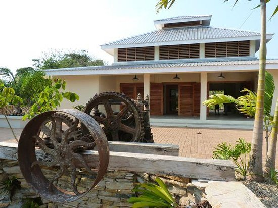 Belcampo Lodge: New Belcampo Agritourism center, chocolate building