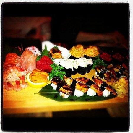 Niji Sushi Bar Et Restaurant: Yum