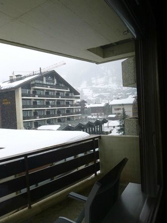 Ambassador Hotel Zermatt : View from balcony
