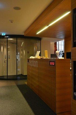 Hotel des Alpes: Lobby