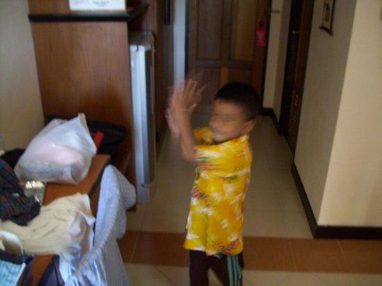 Pattaya Bay Resort : My grandson in the tiny room.