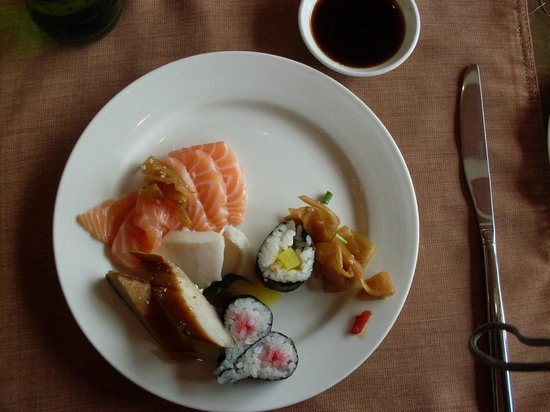 Empark Grand Hotel Anhui: Great sushi and salmon !!!