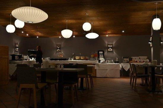 Ambassador Hotel Zermatt : Breakfast room