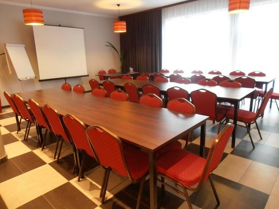 Villa Ramzes: Business centre