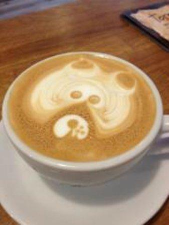 Torre Coffee: latteart bear