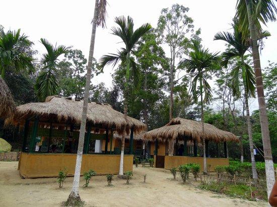 Nature Hunt Eco Camp, Kaziranga National Park: Dining area