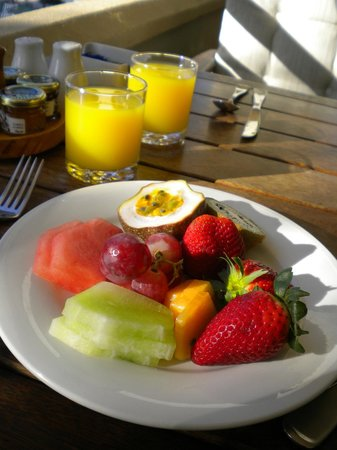 Watermark Hotel & Spa Gold Coast: healthy breakfast