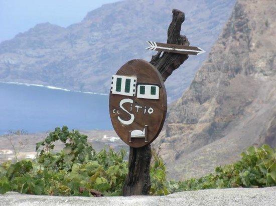 El Sitio: Le panneau pour trouver le gîte depuis l'église