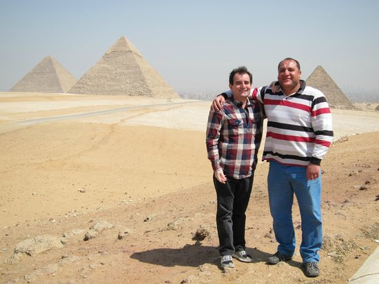 Emad Abu Hadeda - Private Day Tours : Pyramids