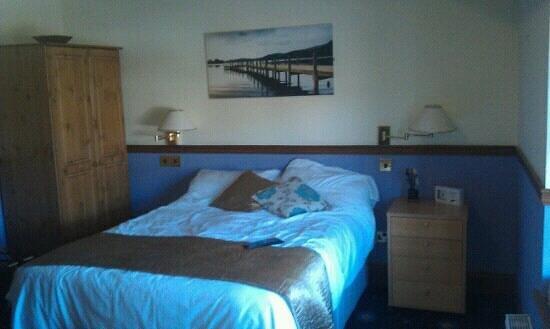 Mortimers Cross Inn : lovely room