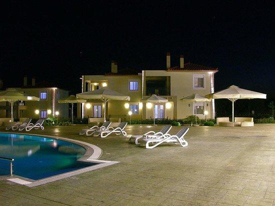Antonios Village : pool area