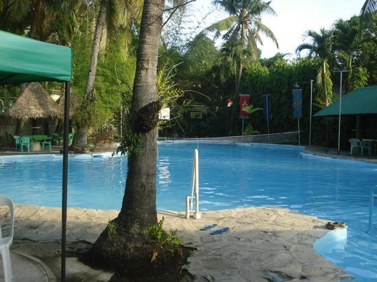 R&R Resort Spa: The main pool, if you want bigger space to swim!