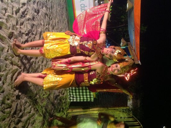 Ashyana Candidasa Beach Resort: Balinese Dance for romance