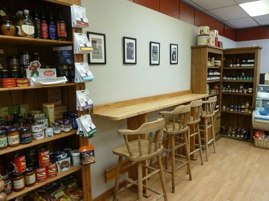 The Scottish Deli: the famous Coffee Bar!
