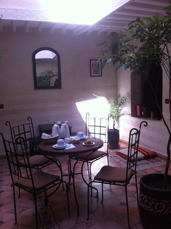 Riad Casa Sophia: patio