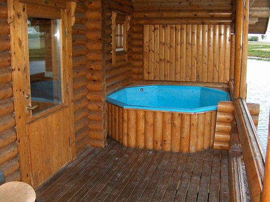 Hot Tub At Every Cabin Foto Di Brimnes Hotel Cabins
