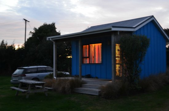 Catlins Newhaven Holiday Park: Chalet Cabin B (suits 2 to 4 people)