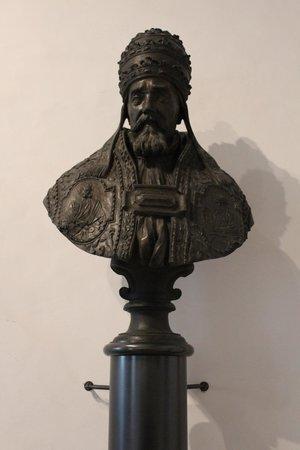 Museo Diocesano e Basilica di Sant'Eufemia: Busto di Urbano VIII (originale)