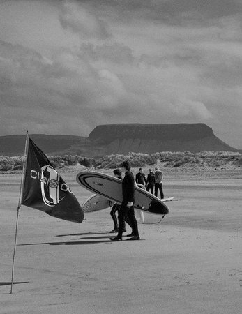 Perfect Day Surf School: Streedagh beach with Benbulben in the backgroud