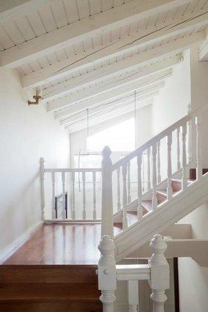Iraragorri Hotel: Escalera habitaciones