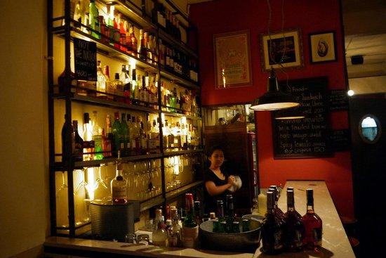 D-Good Gallery Bar