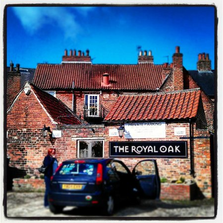 The Royal Oak Hotel : At the rear of the hotel