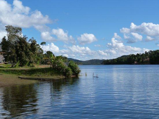 Mantasoa Lodge: vue sur le lac