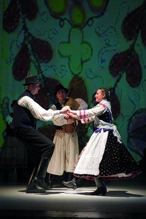 Hungarian State Folk Ensemble: Dancers