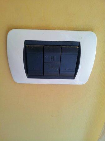 Miravalle: Alza tapparelle elettrico