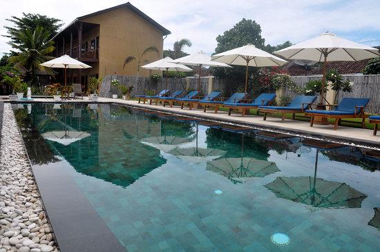 Beautiful Pools sunrise - picture of gili t resort, gili trawangan - tripadvisor