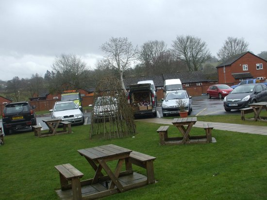 The Burton Hotel: excellent parking in the grounds