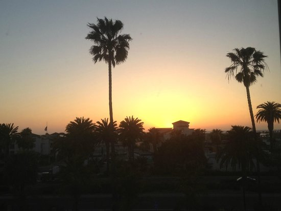Comfort Suites Oceanside Marina: Sunset
