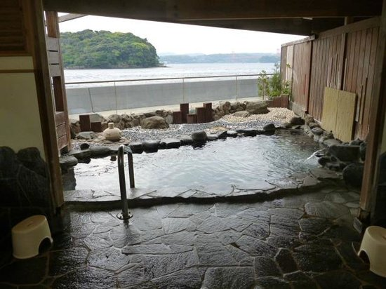 Hirado Kaijyo Hotel: 海が目の前の露天風呂