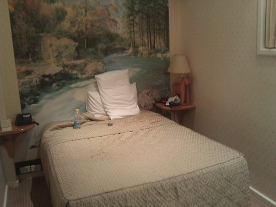 """Miss Maud Swedish Hotel: Bed and """"special"""" wallpaper"""
