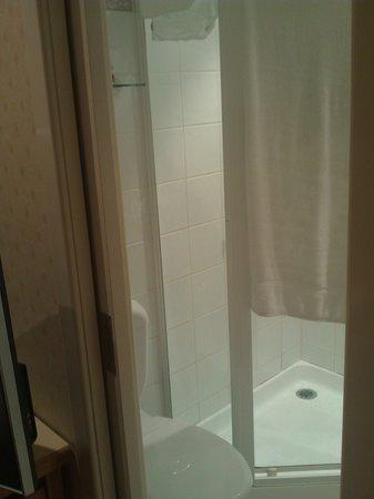 Miss Maud Swedish Hotel: Bathroom 1