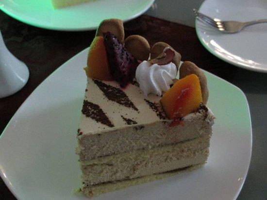 Borneo Cove Hotel: Tiramisu cake (Kaki 5,coffee house-borneo cove htl)