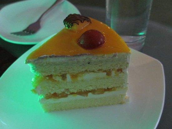 Mango cheese cake (Kaki 5 -Borneo cove hotel)