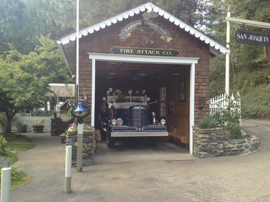 Narrow Gauge Inn: They have their own fire truck