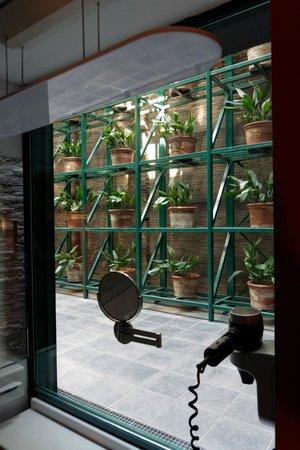 Casa Camper Hotel Barcelona: vue salle de bain