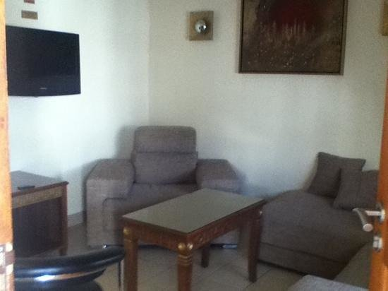The Cycad Lodge & Chalets: living room