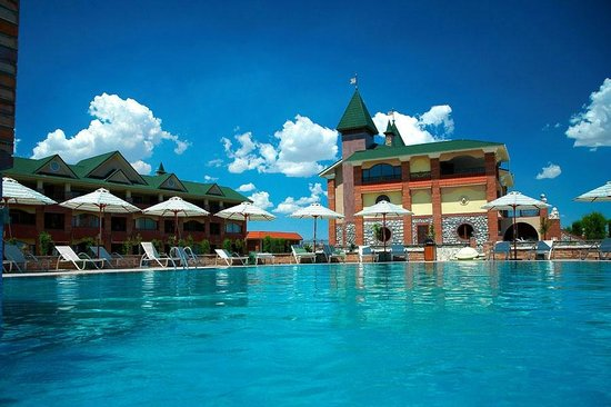 Pool - MoreLux Hotel: 8